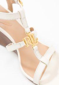 Lauren Ralph Lauren - CHARLTON CASUAL WEDGE - Sandály na klínu - vanilla - 2