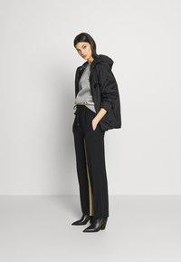 N°21 - Trousers - black - 1