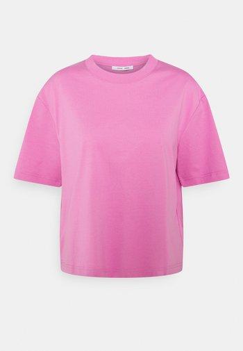 CHROME - Basic T-shirt - bubble gum pink