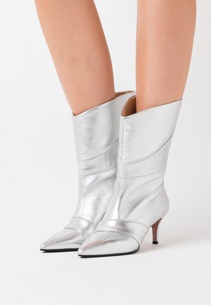 SARA  - Classic ankle boots - silver