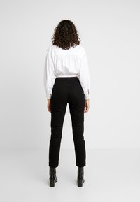 Lost Ink - SLIM MOM  - Jeans slim fit - black denim - 2