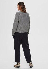 Selected Femme - Sweter - medium grey melange - 2