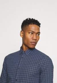 Only & Sons - ONSTONY LIFE CHECKED - Skjorta - dress blues - 3
