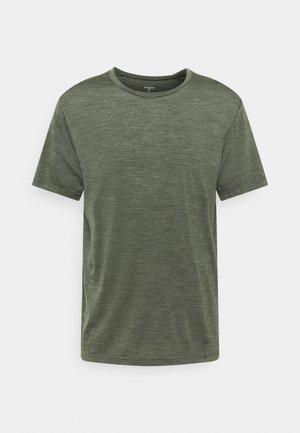 ACTIVIST TEE - T-shirt basique - green