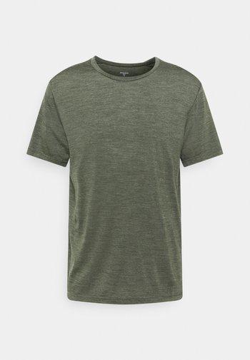 ACTIVIST TEE - T-shirt basic - green