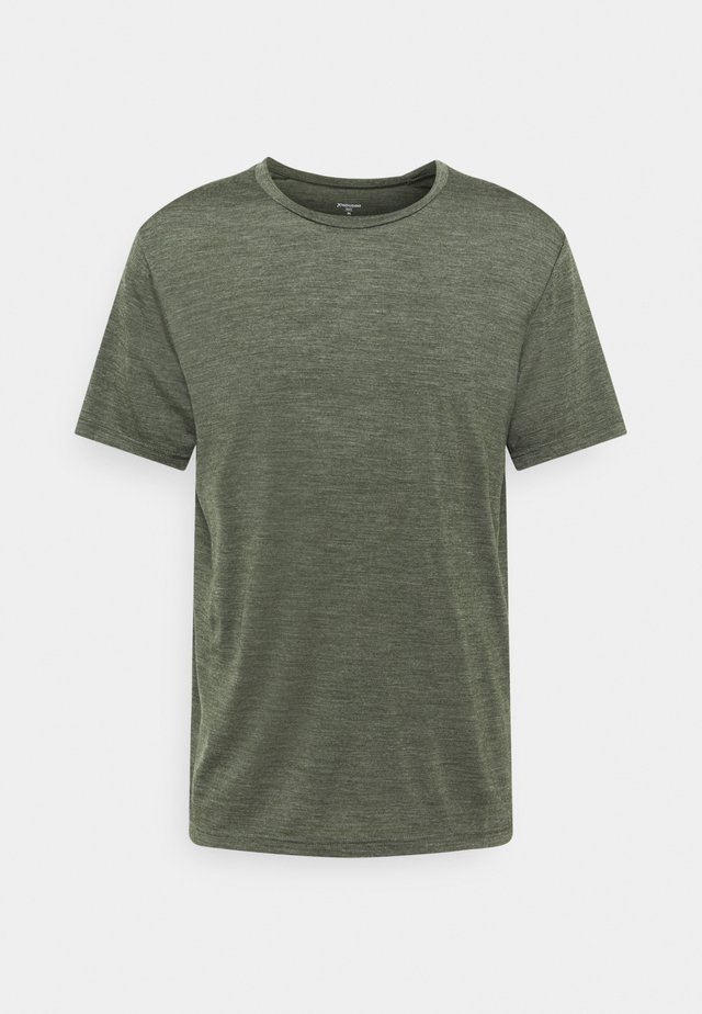 ACTIVIST TEE - Basic T-shirt - green