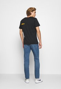 Levi's® - 502™ TAPER - Jeans Tapered Fit - med indigo - 2