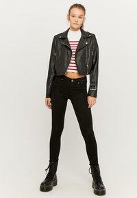 TALLY WEiJL - Slim fit jeans - blk001 - 1