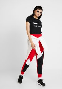 Nike Sportswear - W NSW TEE JDI SLIM - Print T-shirt - black/white - 1