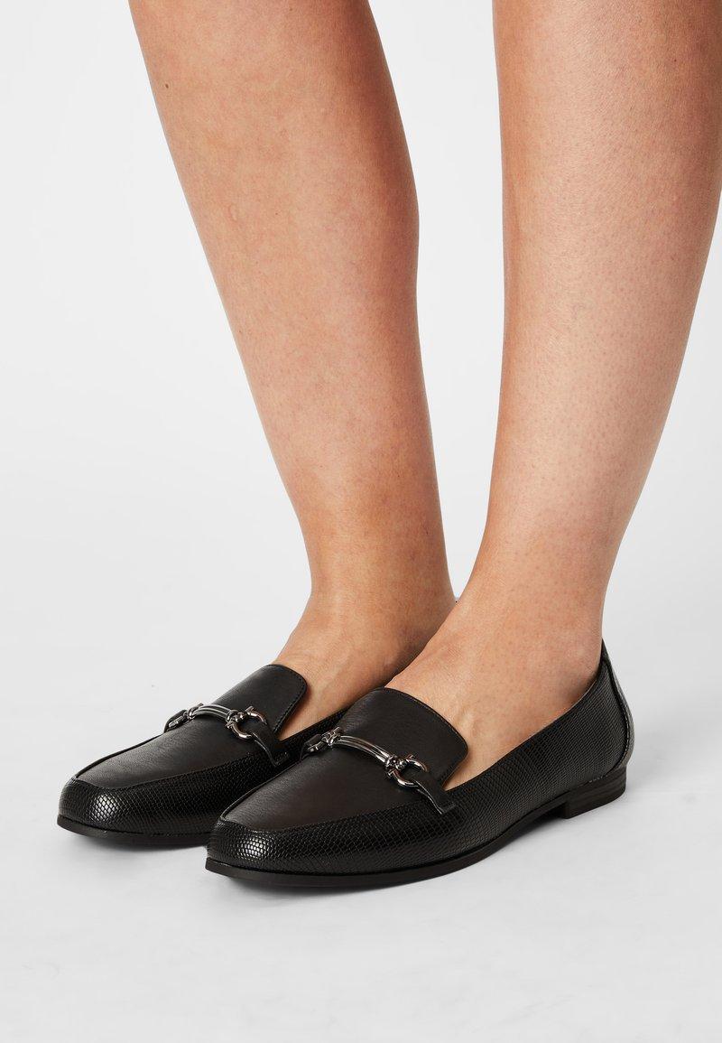 Head over Heels by Dune - GAHAD - Instappers - black