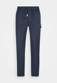 Tommy Jeans - SCANTON PINSTRIPE TRACK PANT - Pantalon classique - twilight navy - 4