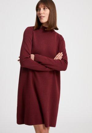 FRIADAA - Gebreide jurk - ruby red