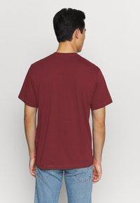 Levi's® - TEE - Print T-shirt - port - 2