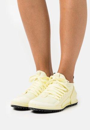 BIOM 2.0 W - Sneakers laag - sherbet