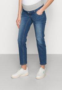 Pieces Maternity - PCMLILA SLIM - Slim fit jeans - medium blue denim - 0