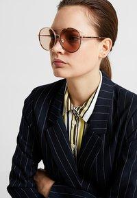Jimmy Choo - LENI - Sunglasses - gold coloured/pink - 1