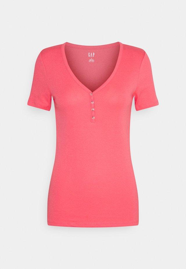 HENLEY TEE - Basic T-shirt - florida coral