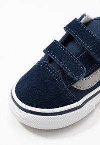 Vans - OLD SKOOL - Zapatillas - dress blues/drizzle - 2