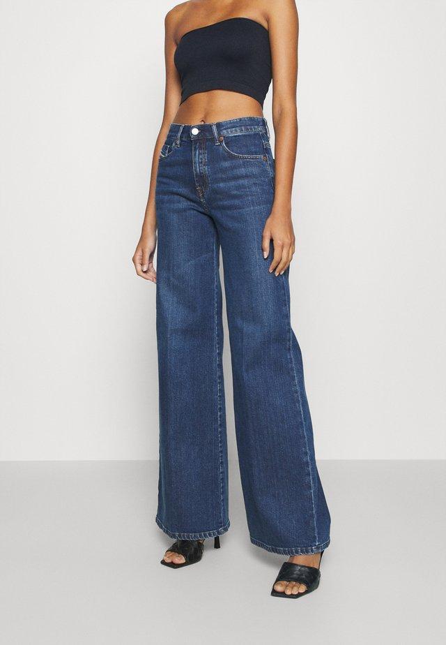 D-AKEMI - Jeans a zampa - indigo