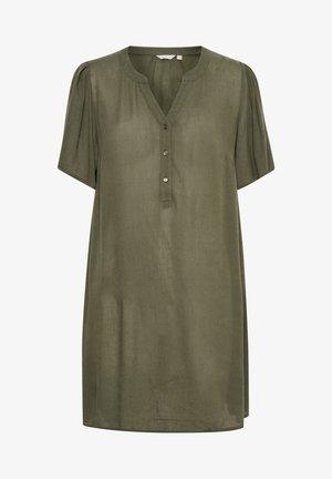 CAMILLA - Denní šaty - grape leaf