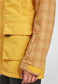 O'Neill - SNOW PARKA - Snowboard jacket - old gold - 4