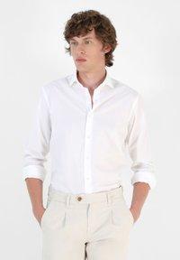 Scalpers - Formal shirt - white - 0