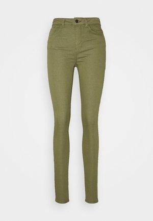 JDYLARA LIFE - Jeans Skinny Fit - martini olive