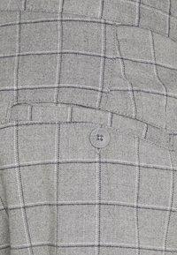Cotton On - Chino kalhoty - grey - 6