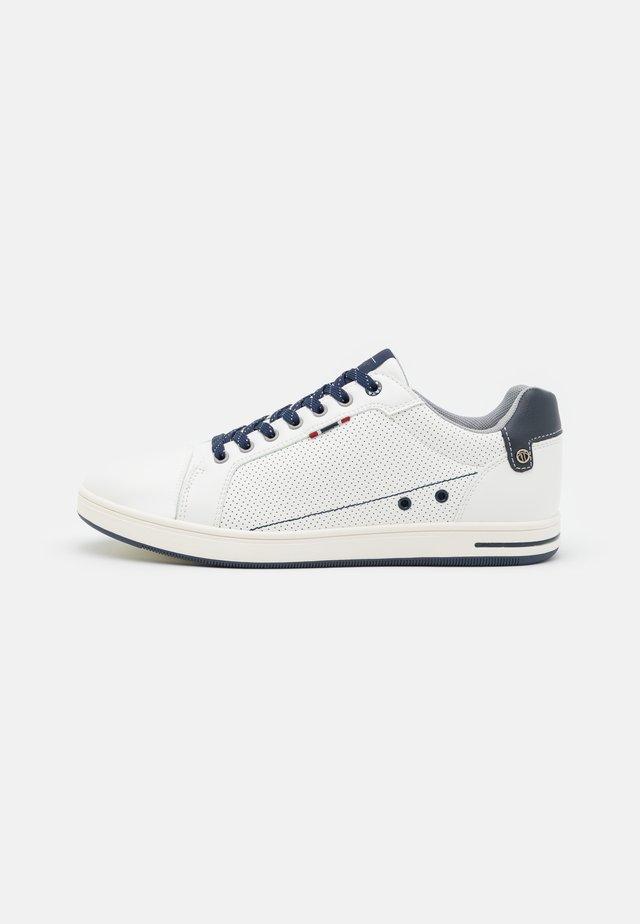 DARIO-300 - Trainers - white