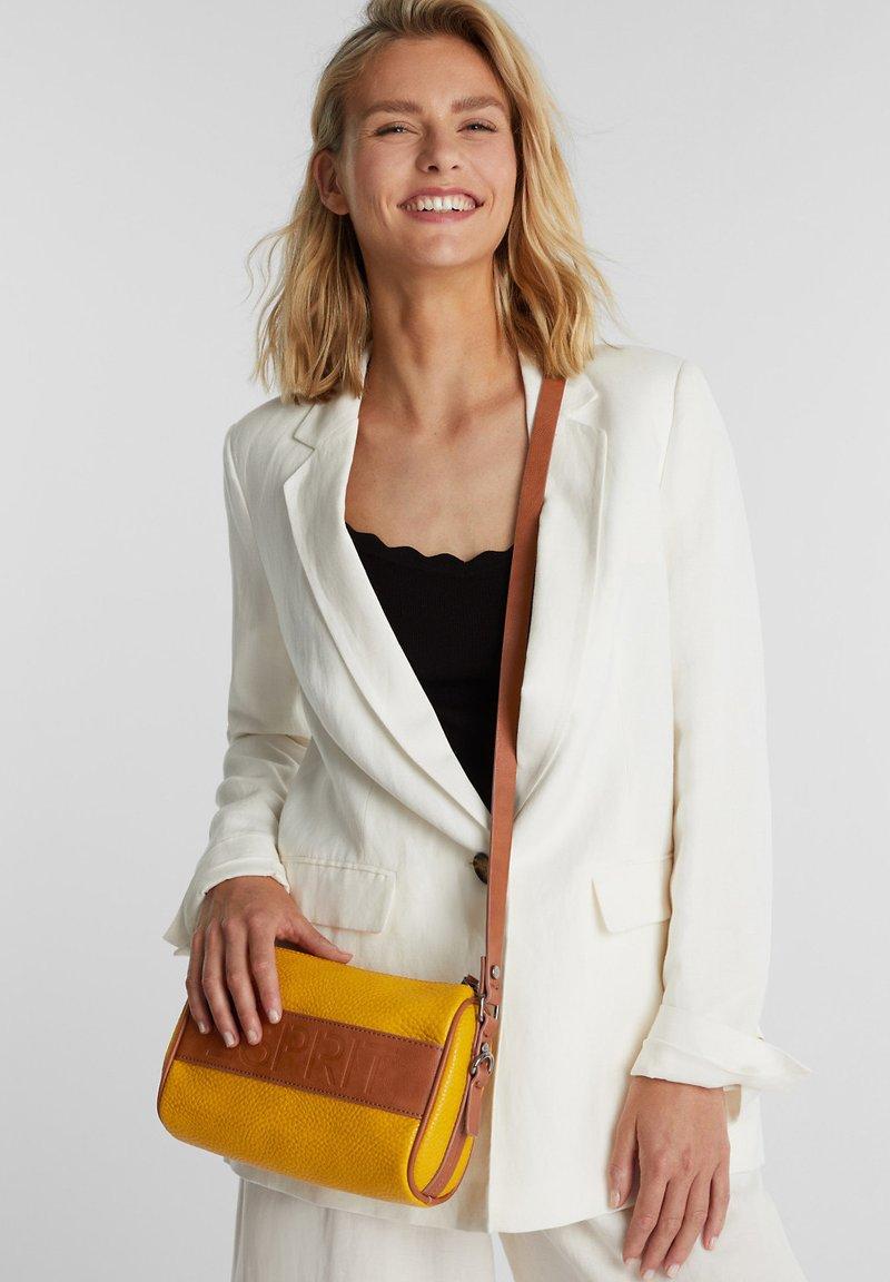 Esprit - MINNESOTA  - Across body bag - brass yellow