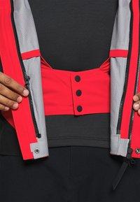 Superdry - CLEAN PRO SHELL JACKET - Lyžařská bunda - apple red - 6