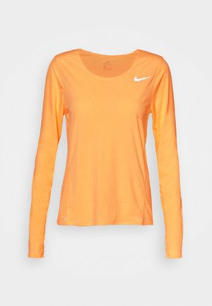 CITY SLEEK - Camiseta de deporte - melon tint/silver