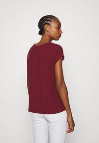 Vero Moda - VMAVA PLAIN - T-shirt basic - cabernet - 2