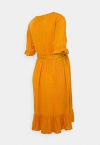 MAMALICIOUS - MLLANA 2/4 WOVEN SHORT DRESS  - Sukienka letnia - desert sun - 1