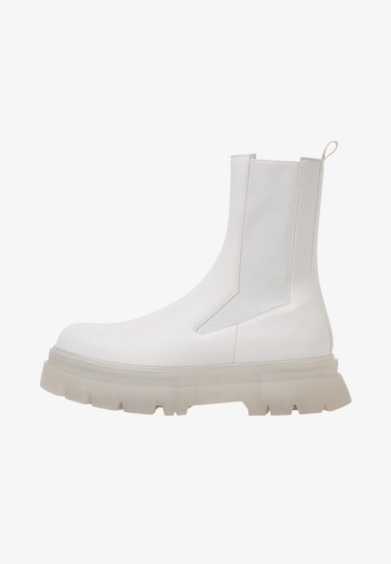 Bershka - Classic ankle boots - white