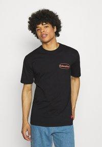 Caterpillar - VINTAGE PIC TEE - T-shirt med print - black - 2