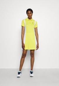 Peak Performance - ALTA BLOCK DRESS SET - Sports dress - citrine/white - 1