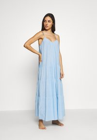 GAP - CRINKLE TIER DRESS - Negligé - new french blue - 1