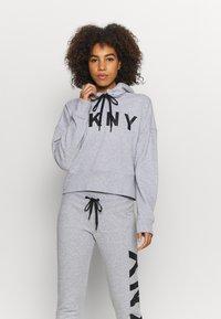 DKNY - EXPLODED LOGO HOODIE - Sweatshirt - pearl grey heather - 0