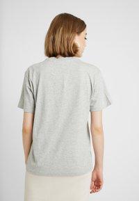 Fila - EARA TEE - T-shirts - light grey melange bros - 2