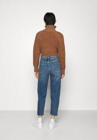 GAP - BARREL - Jeans Tapered Fit - dark indigo - 2