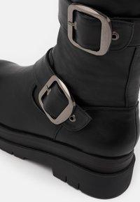 Koi Footwear - VEGAN - Platform boots - black - 4