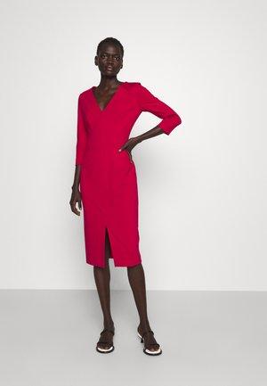 KALAYLA - Pouzdrové šaty - dark red
