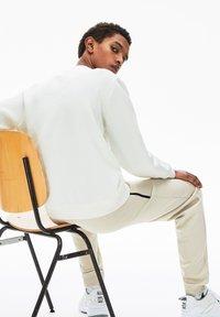 Lacoste - SH4853 - Sweatshirt - blanc - 1