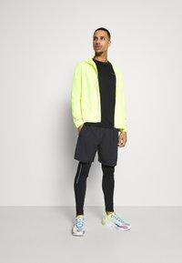 Endurance - VERNON PERFORMANCE TEE - T-shirt basique - black - 1