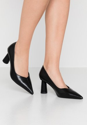 CONE SHAPE POINTY  - Klassiske pumps - black