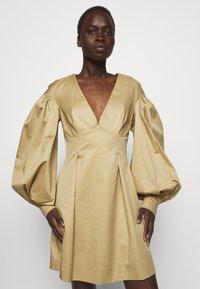Mother of Pearl - MINI DRESS  - Vestido informal - stone - 3