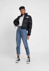 The North Face - NUPTSE CROP - Dunjakke - black - 1