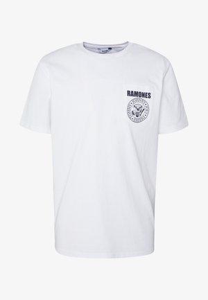 ONSRAMONES POCKET TEE - Camiseta estampada - white