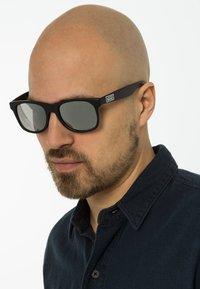 Vans - SPICOLI - Sunglasses - matte black/silver mirror - 0